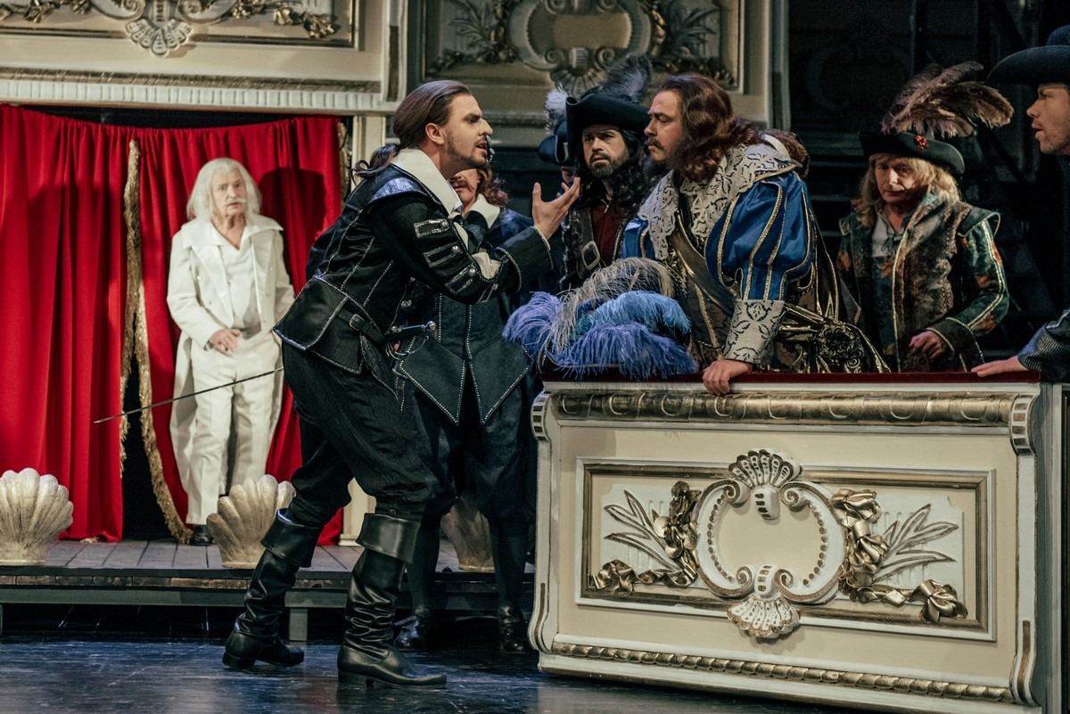 Na zdjęciu scena ze spektaklu Cyrano de Bergerac